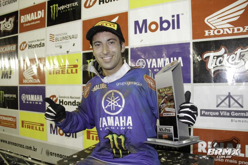 Camapno vence na MX Pró. Foto: Mau Haas / BRMX
