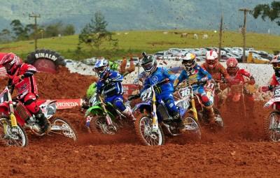 Vídeo: Brasileiro de Motocross 2014 em Canelinha