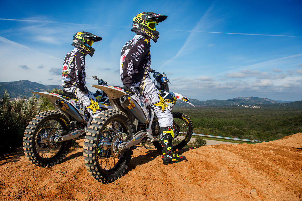 fotos oficiais da husqvarna para o mundial de motocross. Black Bedroom Furniture Sets. Home Design Ideas