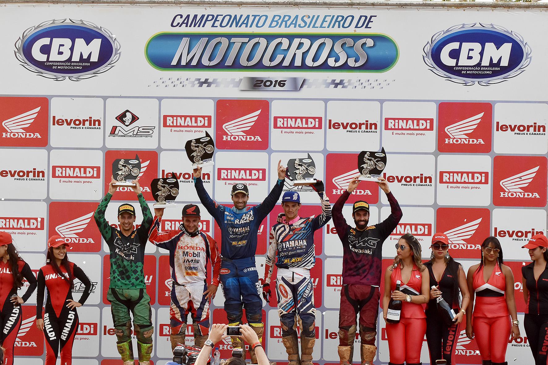 podio_mx1_morrinhos