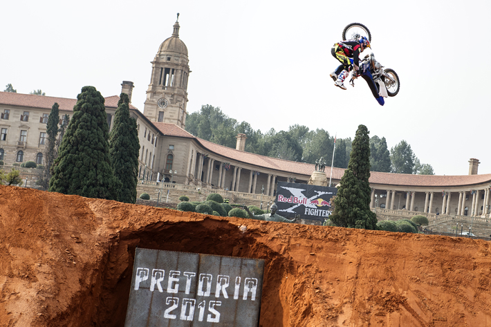 Tom Pages of France performs during the finals of the fourth stage of the Red Bull X-Fighters World Tour in Pretoria, South Africa on September 12, 2015.  // Jörg Mitter/Red Bull Content Pool // P-20150912-00356 // Usage for editorial use only // Please go to www.redbullcontentpool.com for further information. //