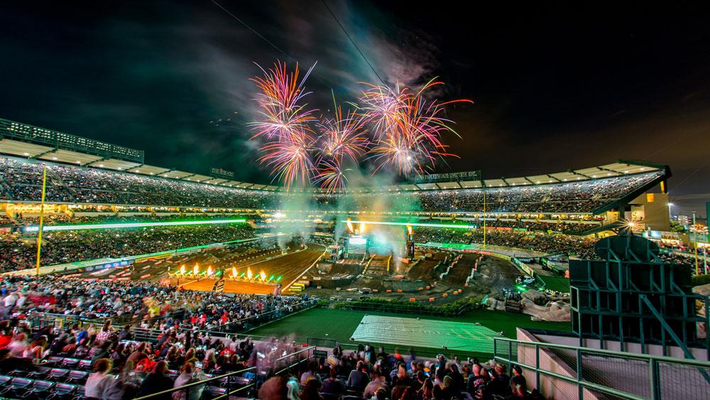 Anaheim Stadium, Califórnia!
